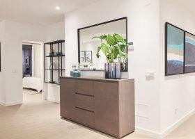 22-by-quartiers-benahavis-vernieuwd-appartement-kopen-luxe-gang-1170x760