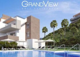 A7_Grand_View_apartments_pool.jpg