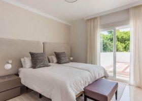 columbus-hills-sierra-blanca-marbella-costa-del-sol-luxe-appartementen-te-koop-bed-1