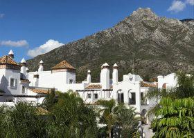 columbus-hills-sierra-blanca-marbella-costa-del-sol-luxe-appartementen-te-koop-bergen