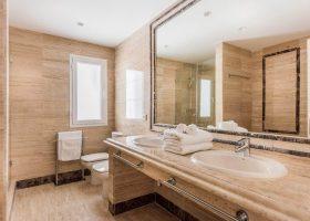 columbus-hills-sierra-blanca-marbella-costa-del-sol-luxe-appartementen-te-koop-lavabo