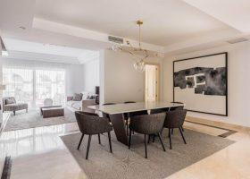 columbus-hills-sierra-blanca-marbella-costa-del-sol-luxe-appartementen-te-koop-salon