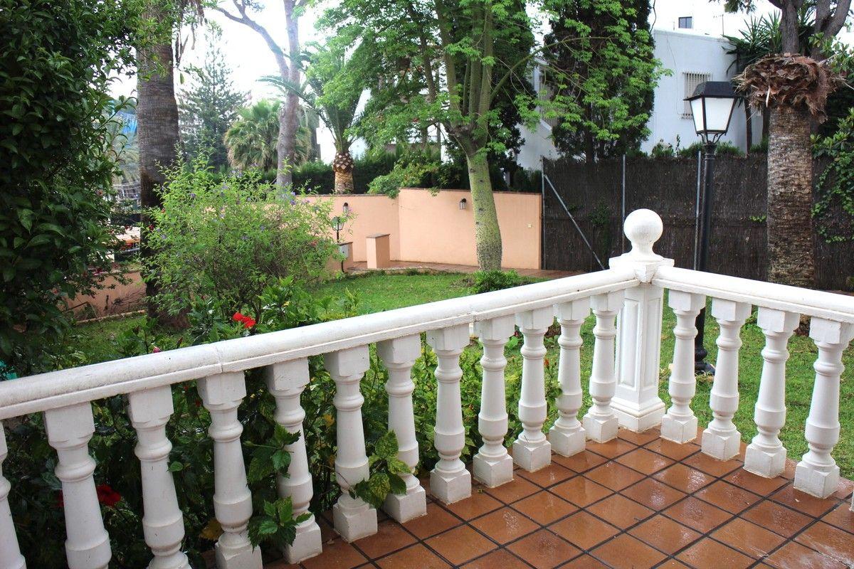Half-Vrijstaande Villa – Nueva Andalucía, Costa del Sol