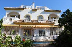 Half-Vrijstaande Villa - Marbella, Costa del Sol